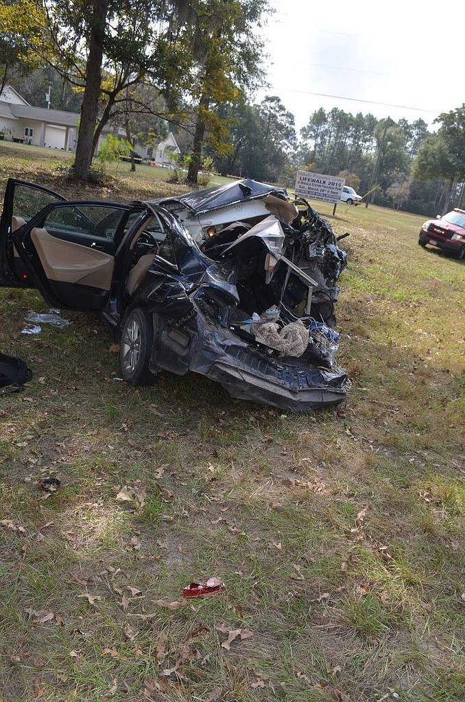 Miracle-Car-Accident-Shows-Importance-Car-Seats_3.jpg